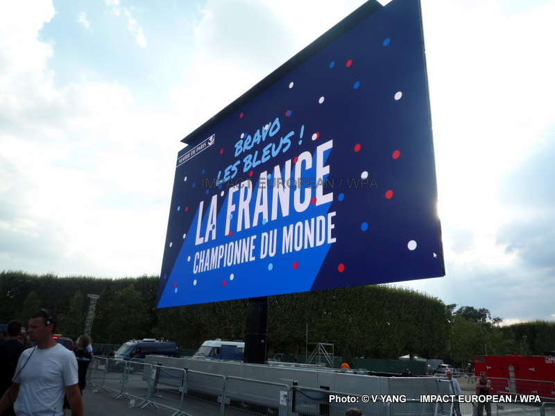20 years after, the French team makes vibrate the country