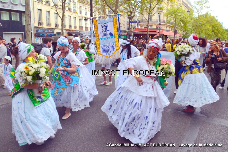 Washing of the Madeleine steps and festive evening closed the Franco-Brazilian Cultural Festival