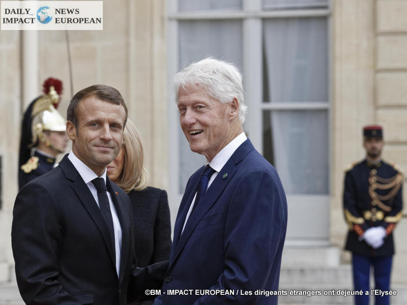 69 foreign leaders have lunch at the Elysée Palace after paying tribute to Jacques Chirac